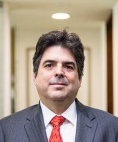 Luis A García Campuzano