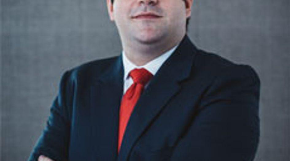 Carlos Ayres