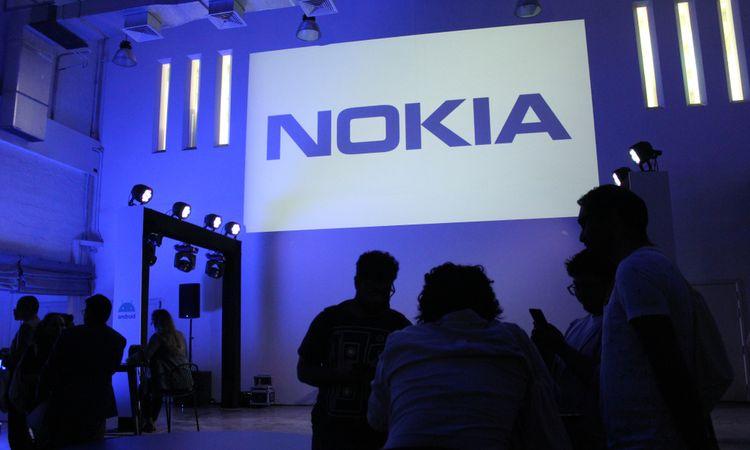 """Nokia secures second German injunctionruling against Daimler, whiledetails emerge of """"major"""" patent licence renewal"""