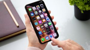Apple pushes back on criticism of app review process