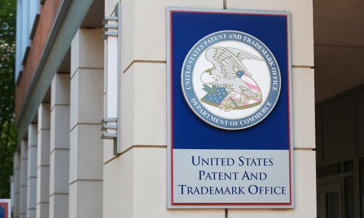 """""""The lawful use requirement must go"""" – academic calls for USPTO to abolish policy"""