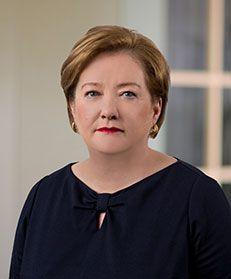 Barbara D Linney