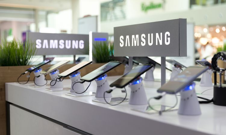"""Samsung sues Irish NPE just six months after settlement, claiming its """"large checks"""" failed to buy """"lasting peace"""""""