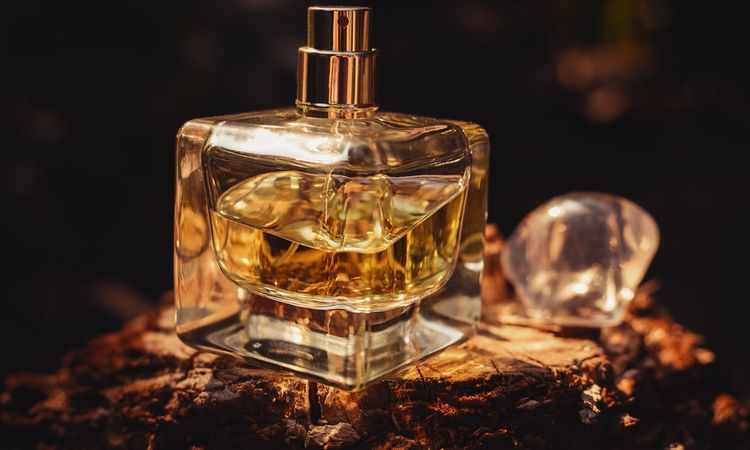 The rise of clone perfume: a growing challenge for fragrance brands?