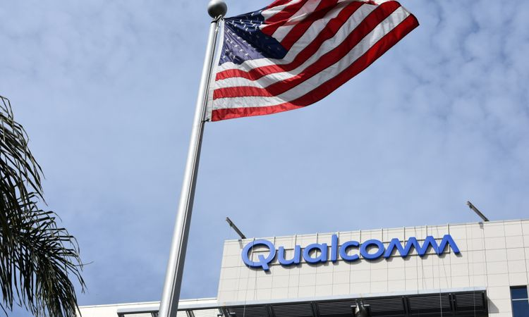 Qualcomm's chip sales plunge in China underlines value of its licensing business